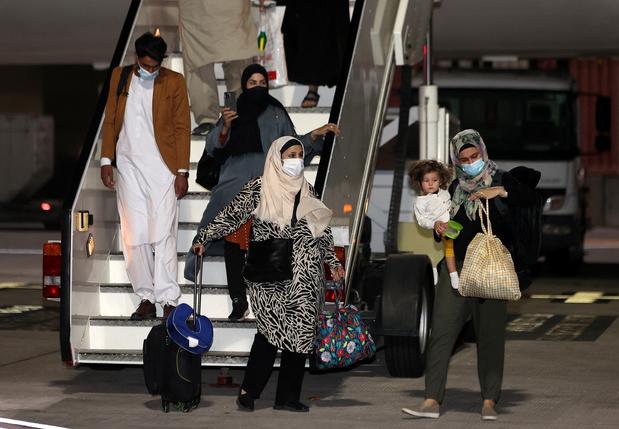 Évacuations d'Afghanistan: une Belge parmi les passagers du second vol Kaboul-Doha