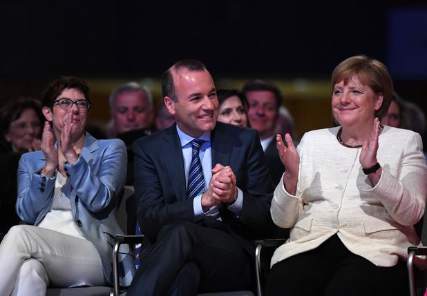 Duitse media: 'Merkel doet afstand van Manfred Weber als kandidaat-voorzitter Europese Commissie'