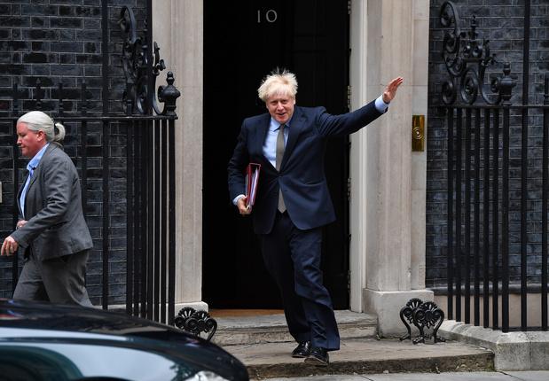 """Brexit: l'UE en colère contre Johnson qui l'accuse de préparer un """"blocus"""""""