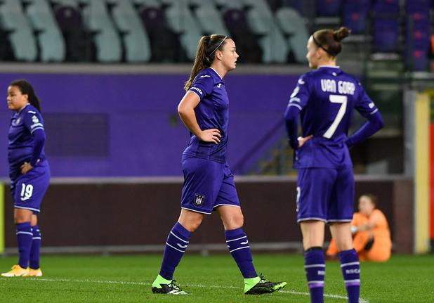 Tine De Caigny élue Soulier d'Or féminin, tir groupé pour le Sporting d'Anderlecht
