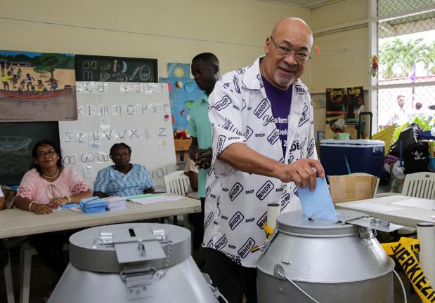 Suriname: oud-dictator Desi Bouterse verliest verkiezingen