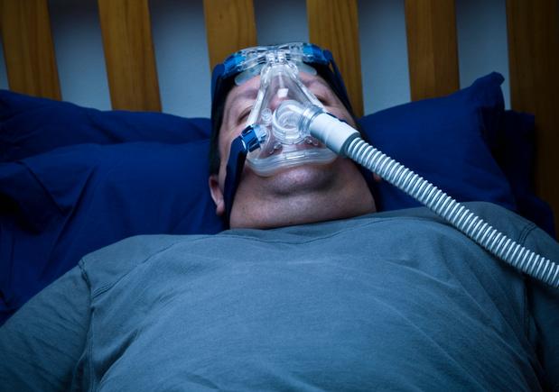 Covid-19 : l'apnée du sommeil induit un risque additionnel