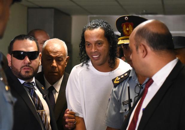 Ronaldinho toch gearresteerd in Paraguay voor vals identiteitsbewijs