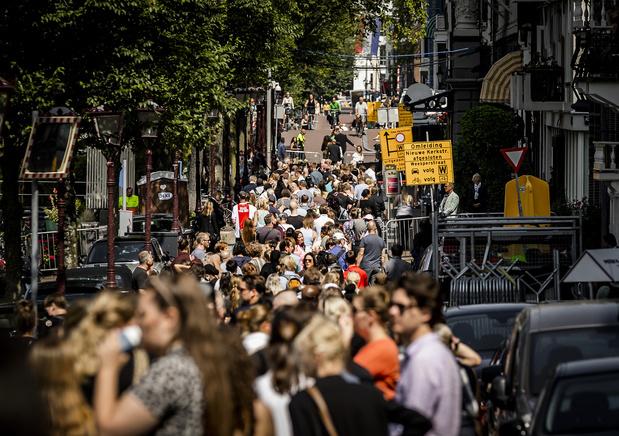 Honderden mensen nemen afscheid van Peter R. de Vries
