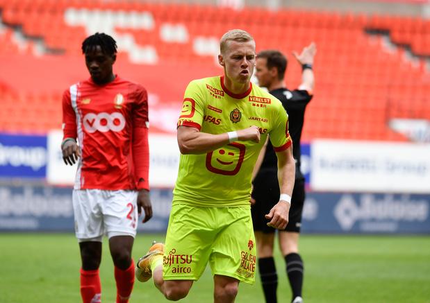 KV Mechelen wint bij Standard en grijpt koppositie in Europe play-offs
