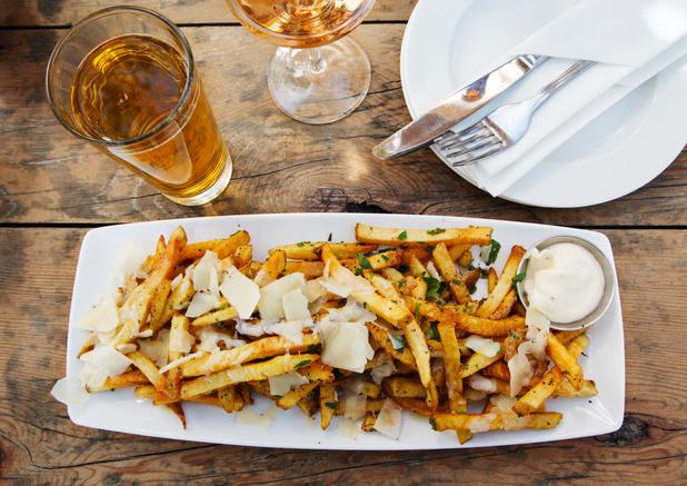 Loaded fries: de nieuwe frieten serveer je niet met ketchup
