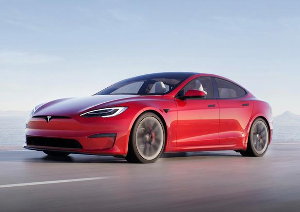 'Tesla's kunnen zonder bestuurder rijden na manipulatie'