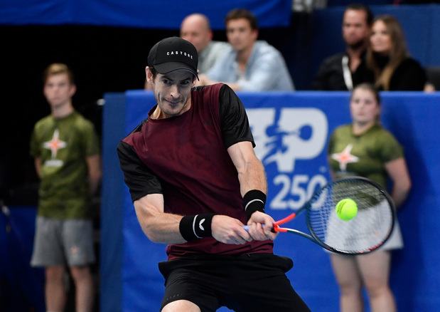 Murray renverse Wawrinka à Anvers pour son premier titre depuis 2017