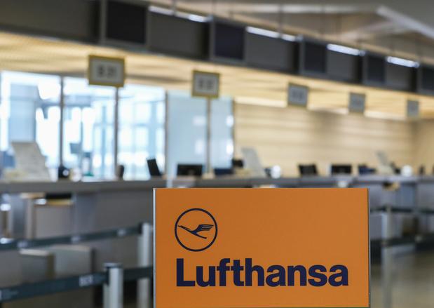 """Lufthansa perd 1 million d'euros """"par heure"""" et a besoin de """"soutien"""" public"""