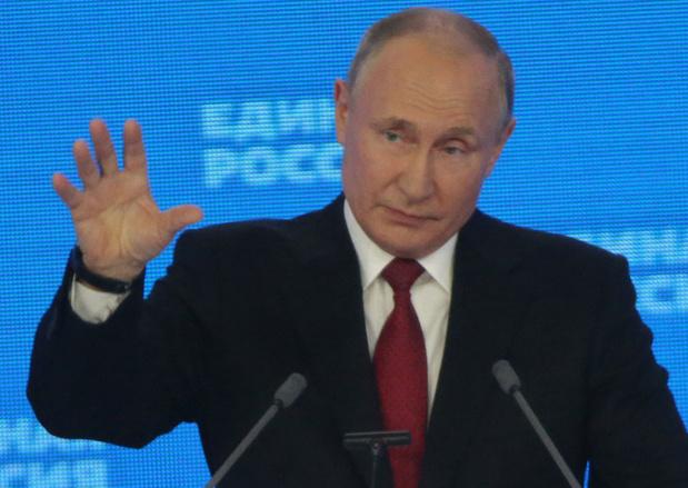 Poetin bekrachtigt nieuwe 'veiligheidsstrategie tegen westerse invloed'