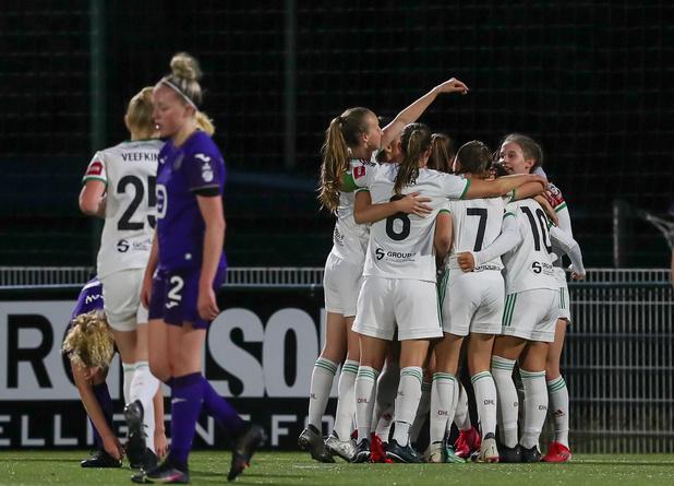 Super League: Anderlecht chute encore, Bruges toujours invaincu (VIDÉO)