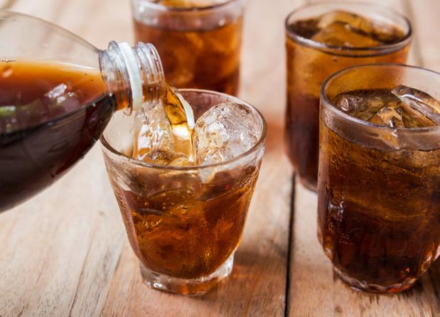 Consumptie van twee glazen frisdrank per dag verhoogt de sterfte