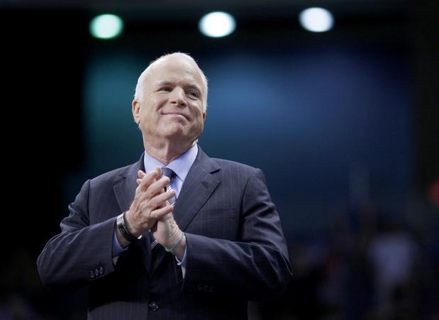 Trump s'acharne contre John McCain, sénateur républicain décédé