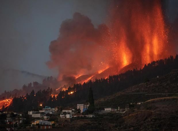 Eruption d'un volcan aux Canaries: jusqu'à 10.000 personnes évacuées