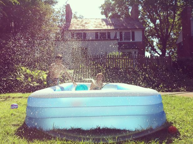 """Flandre: """"Cet été, y aura peut-être même pas piscine"""""""