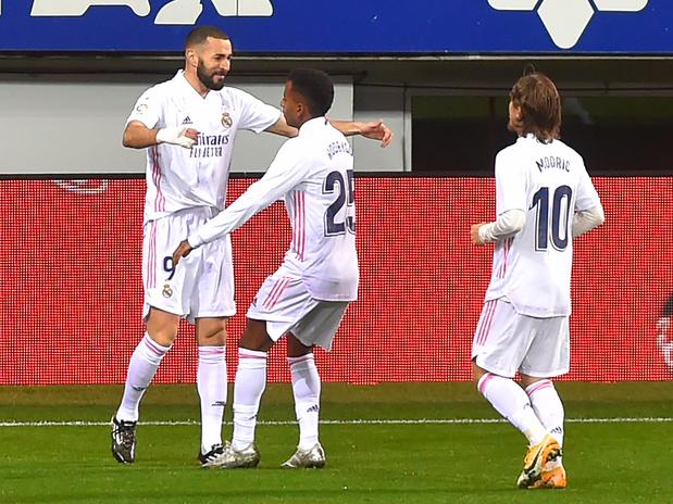 Benzema vole encore et le Real retrouve la tête