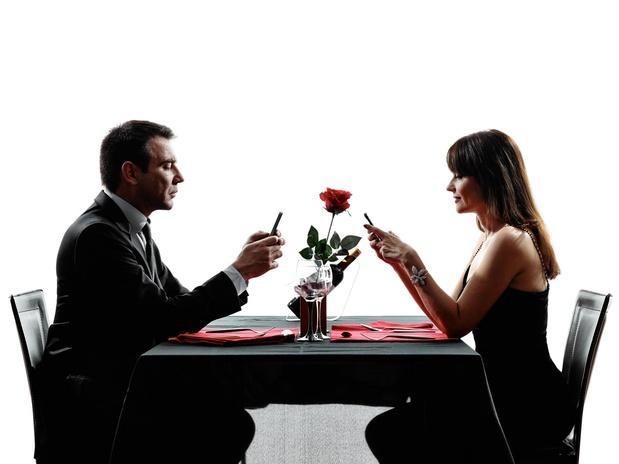 Facebook expérimente une appli pour couples