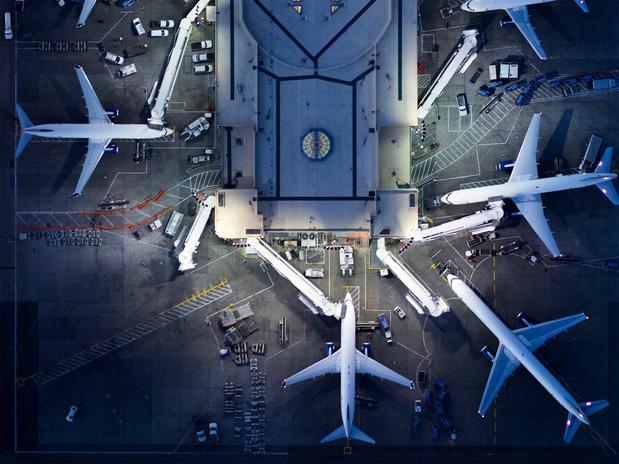 """Le secteur aérien européen dénonce une situation """"chaotique"""" lors de la réouverture des frontières"""