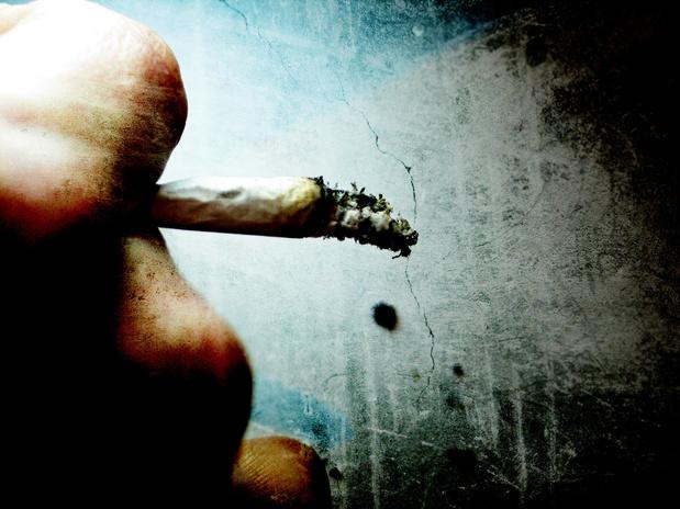 Cannabis, zelfs in lage hoeveelheid, verhoogt het zelfmoordrisico