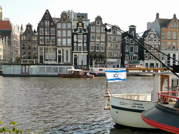 Amsterdam en Helsinki brengen eigen algoritmes in kaart