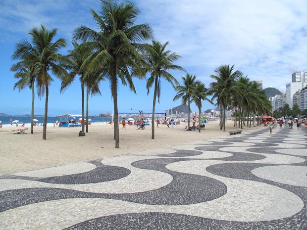 Brésil: Rio renonce à son idée de réservation à la plage