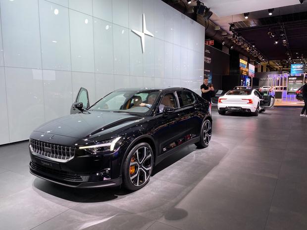 Polestar, une nouvelle marque d'autos électriques vendue uniquement sur le web