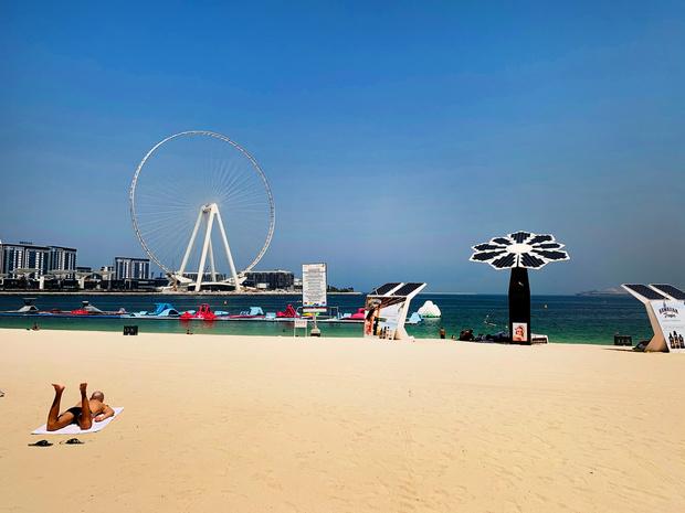 A Dubaï, portes ré-ouvertes aux étrangers mais priorité au tourisme intérieur