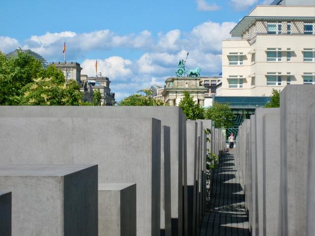 Ook Twitter doet ontkenning van de Holocaust in de ban