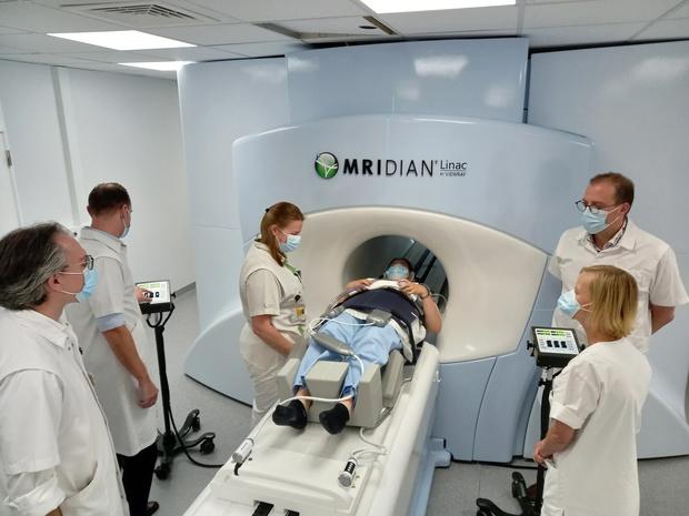 UZ Brussel: slechts vijf dagen MRI-beeldgestuurde radiotherapie bij prostaat- of darmkanker