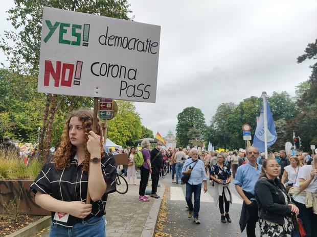 3500 manifesteren tegen 'gezondheidsdictatuur'