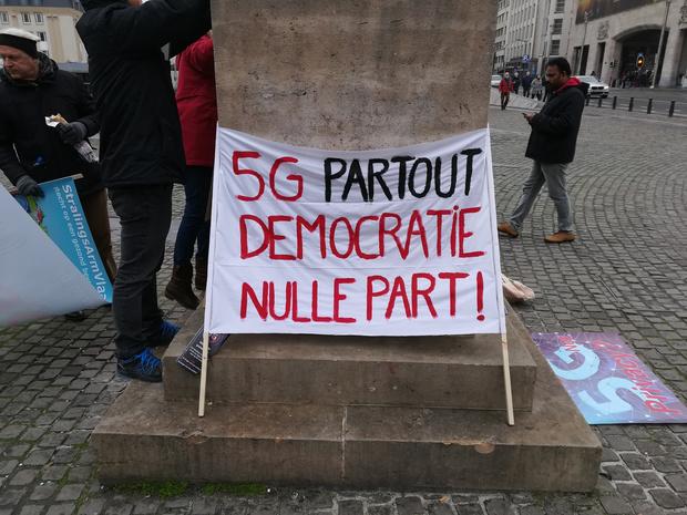Mons demande à Proximus la suspension du développement de la 5G sur son territoire