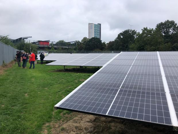 Plus de 4.000 panneaux solaires sur le site de Coca-Cola avant la première éolienne