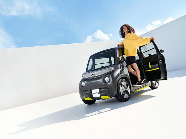 Opel Rocks-e is elektrische brommobiel