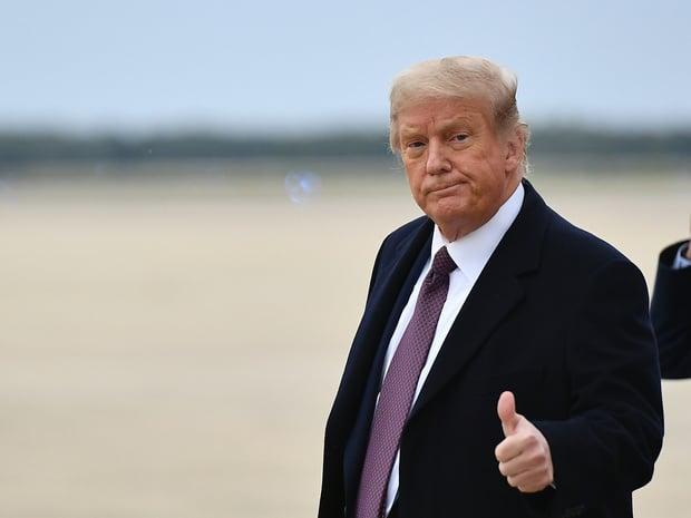 """Trump se met en """"quarantaine"""" après le test positif d'une collaboratrice"""