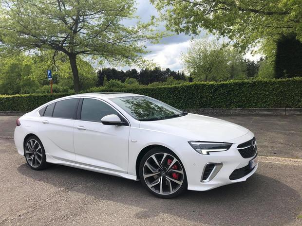 Opel Insignia GSi koestert sportiviteit