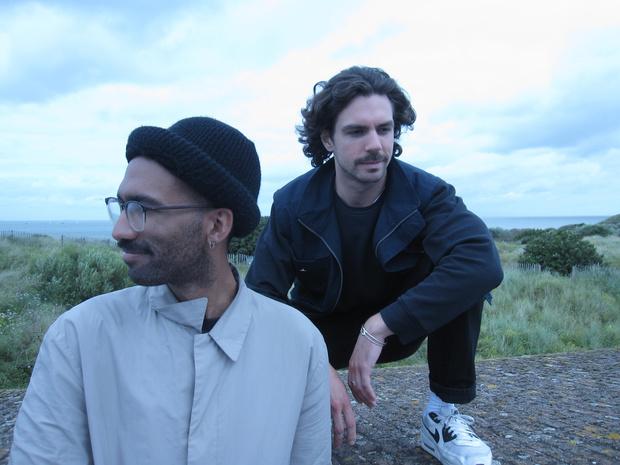 Introspectieve electrosound met dansbare beats: dit was Youniss op Theater aan Zee