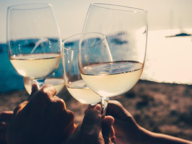 WECANDANCE introduceert natuurwijn in de festivalscene: 'Even expressief als een cocktail'