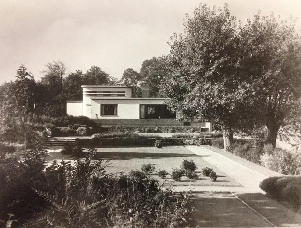 De Polikliniek en de Villa Landing van dokter Adriaan Martens