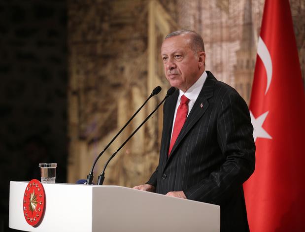 """Erdogan menace d'""""écraser les têtes"""" des combattants kurdes en Syrie s'ils ne se retirent pas"""
