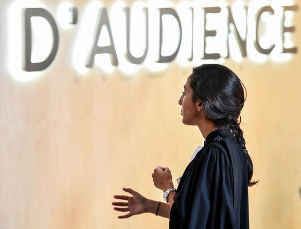 Procès des attentats de Paris: le 'show' Abdeslam pose déjà question