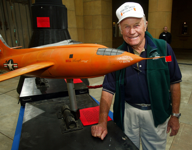 Chuck Yeager overleden, de eerste piloot die door de geluidsmuur brak