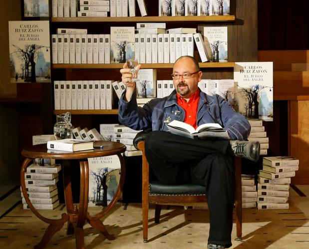 Qui était Carlos Ruiz Zafon, l'auteur du best-seller mondial L'Ombre du vent?