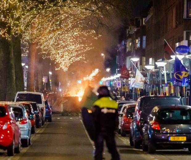 Pays-Bas: deuxième nuit d'émeutes après l'imposition d'un couvre-feu