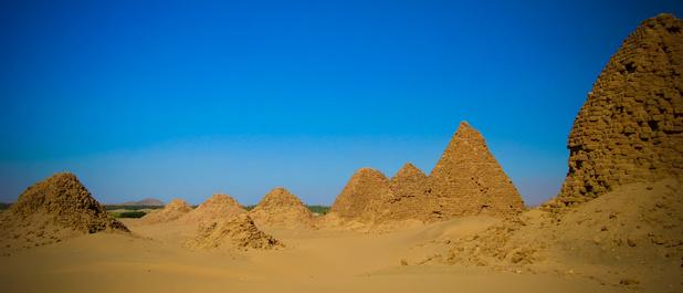 100 ans plus tard, des archéologues redécouvrent les pyramides de Nouri