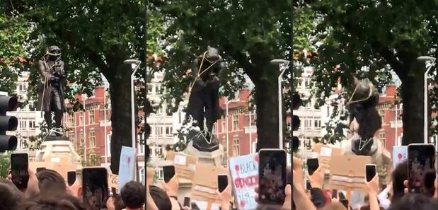 Quand les foules déboulonnent les statues...