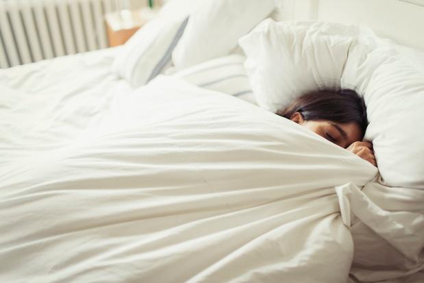 Pourquoi la fièvre nous fait faire des rêves étranges