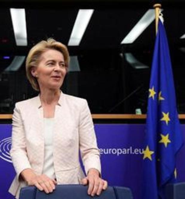 Von der Leyen prend une série d'engagements pour obtenir le soutien des eurodéputés S&D