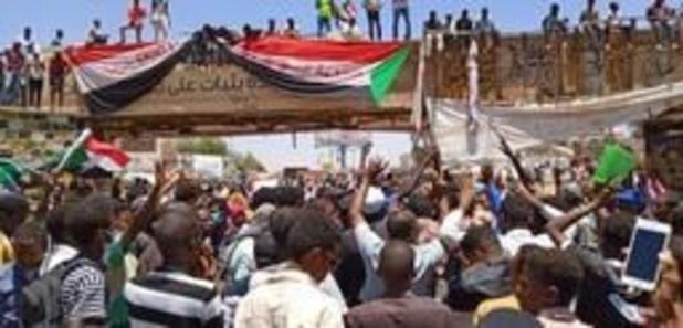 Les manifestants au Soudan dénoncent une tentative de disperser leur sit-in