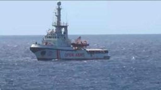 Asiel en migratie - Aantal migranten mogen reddingsschip Open Arms verlaten
