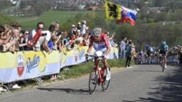 Mathieu van der Poel triomfeert in Amstel Gold Race na zinderende finale